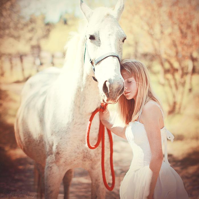 Симпотичная блондинка и трахарь 12 фотография