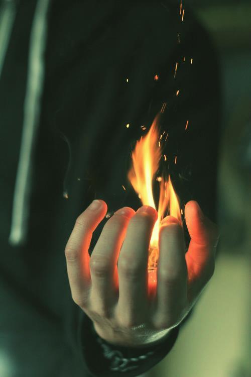 Возьми мой огонь в свою руку